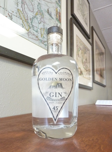 golden-moon-gin-bottle