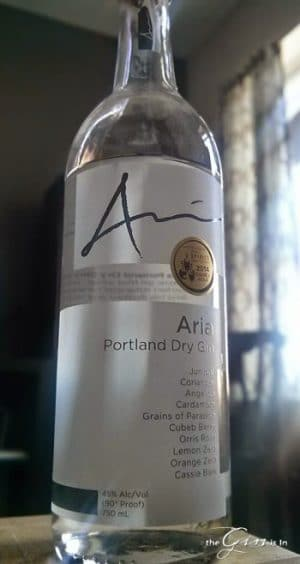 aria-dry-gin-bottle