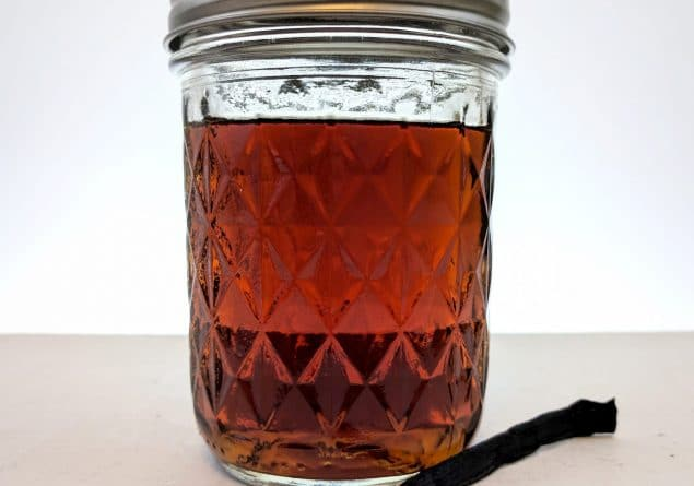 vanilla infused gin in a jam jar